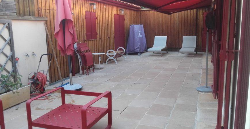 Entretien maison bois en sublime chalet en bois en for Bardage bois exterieur sans entretien